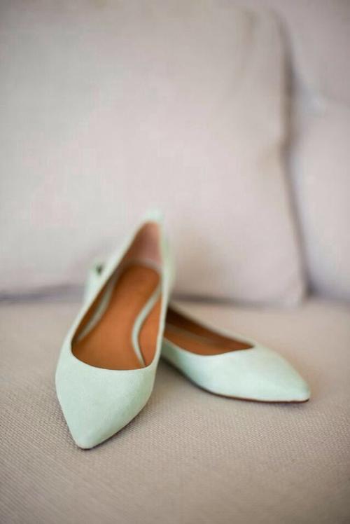 Pointy toe flats